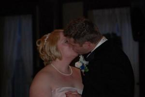 Wonderful Reception Kiss